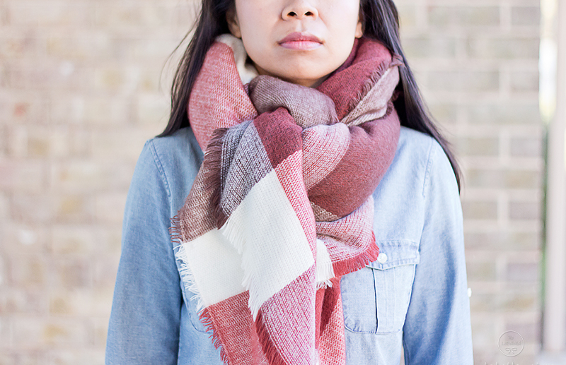 LaBelleMel_12_Ways_to_Wear_Tie_Blanket_Scarf_9