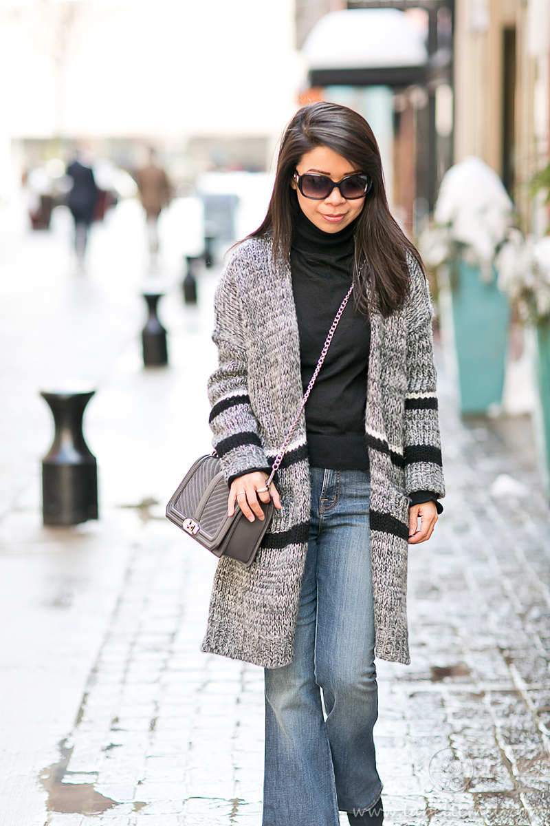 LaBelleMel_Weekend_Errands_Longline_Sweater_Flared_Jeans_1